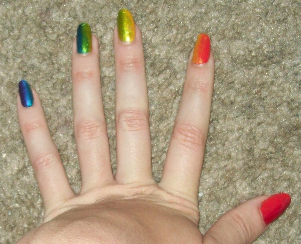 Blended rainbow nails