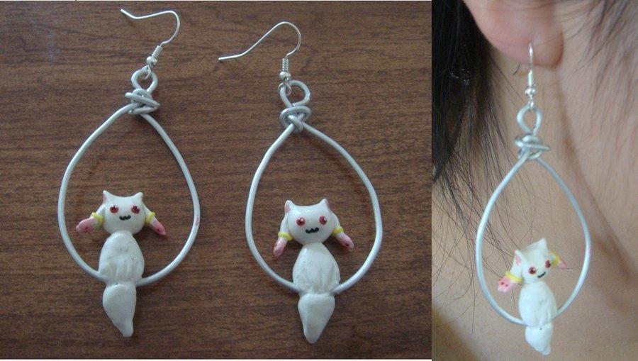 Kyubey Dangly Earrings