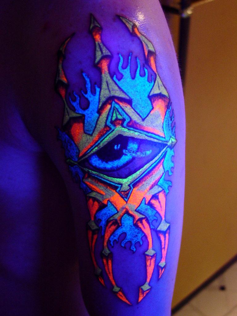 Eye Glow