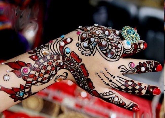 Eid Mehndi Designs On Hands