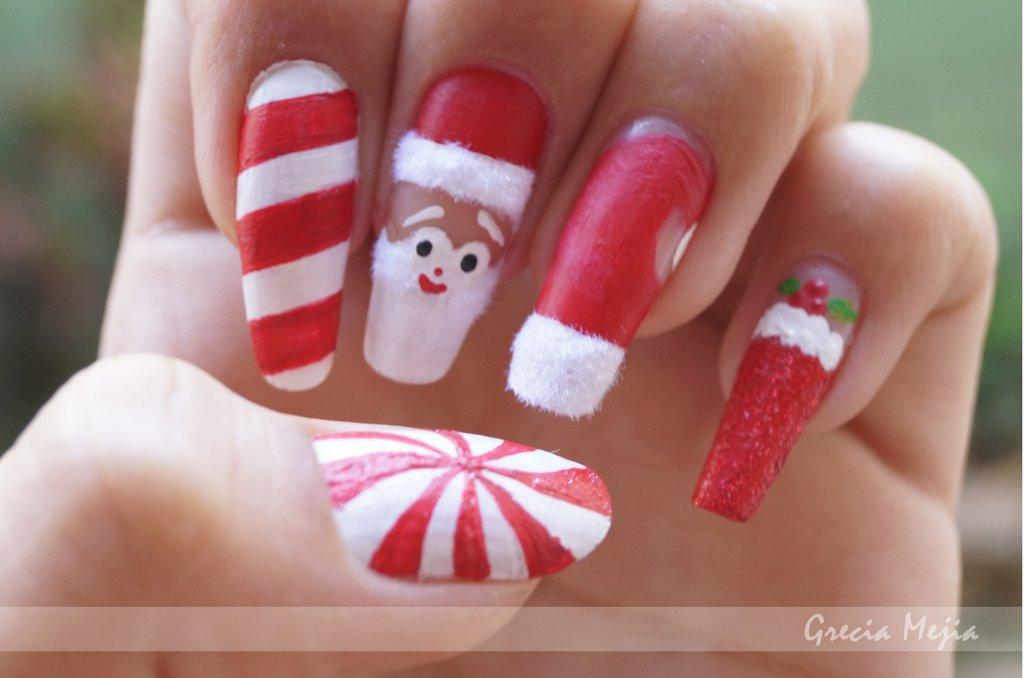 Santa Claus nails