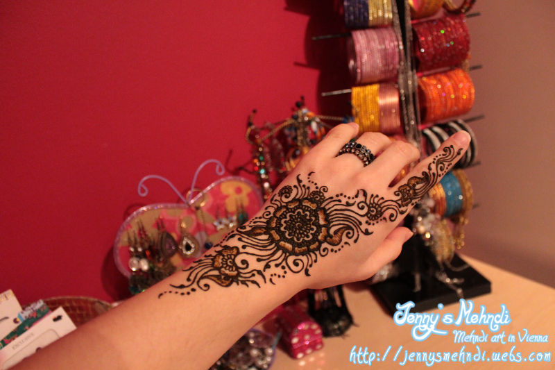 Simple mehndi design and Unique mehndi designs for hands