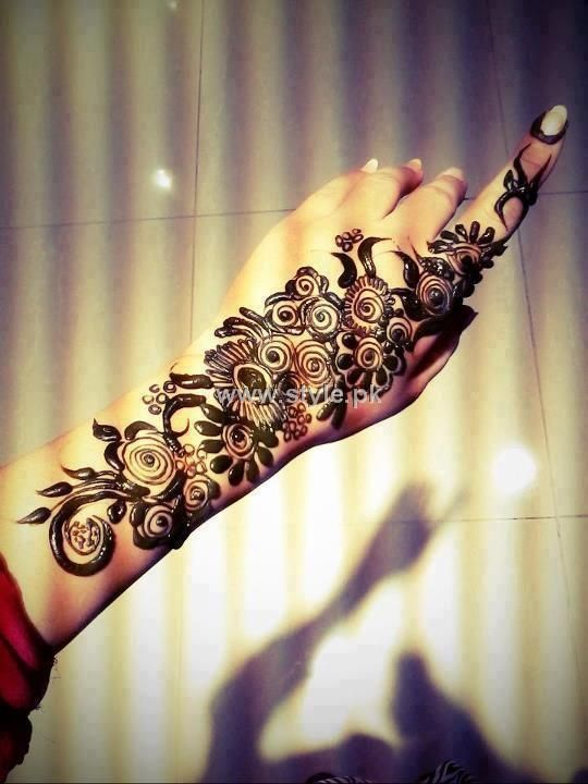 mehndi design for girls hands