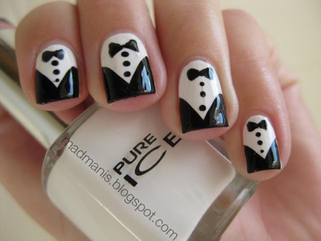 23 black and white nail design