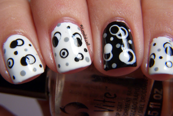 5 black and white nails designs