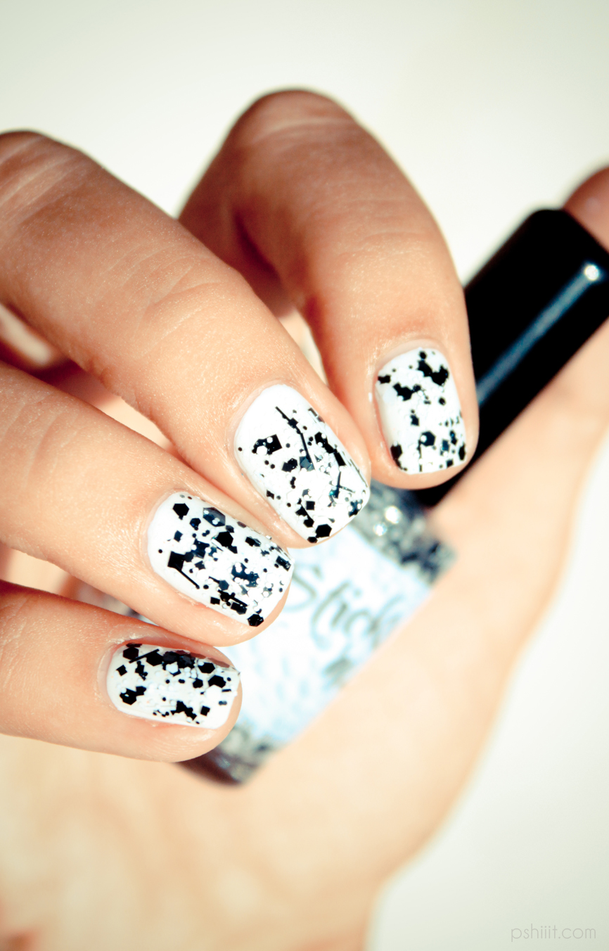 7 black and white nails designs