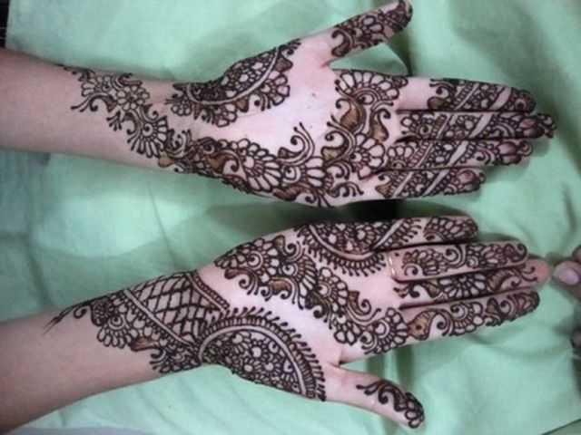 arabaic hand henna picture