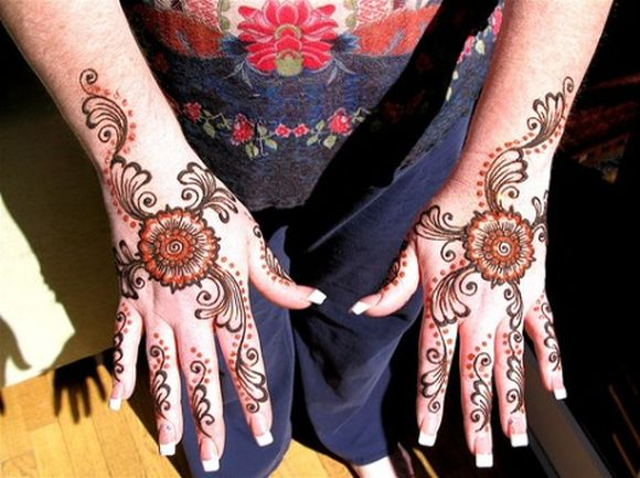 beautiful arabic henna for hands