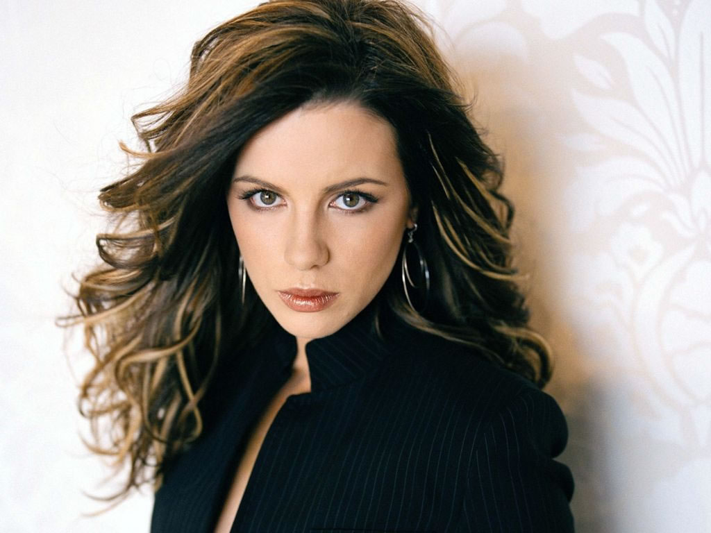 kate beckinsale with long brunette hairstyle