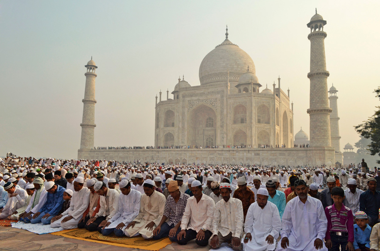 Eid Al Adha Prayers Taj Mahal Agra India