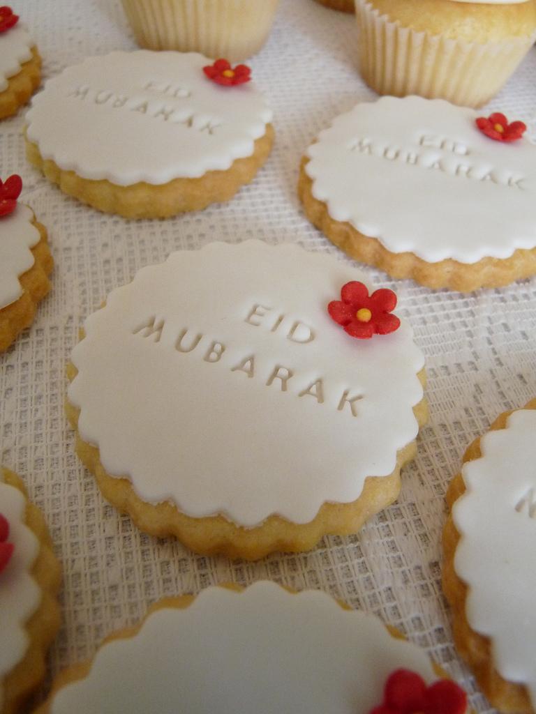 Eid Mubarak cookies picture
