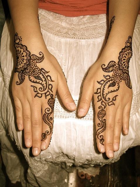 sime mehndi pattern for hands