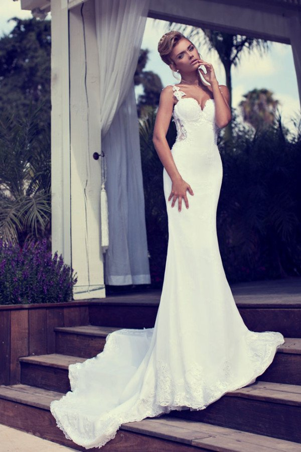 wedding dress bridal fitted