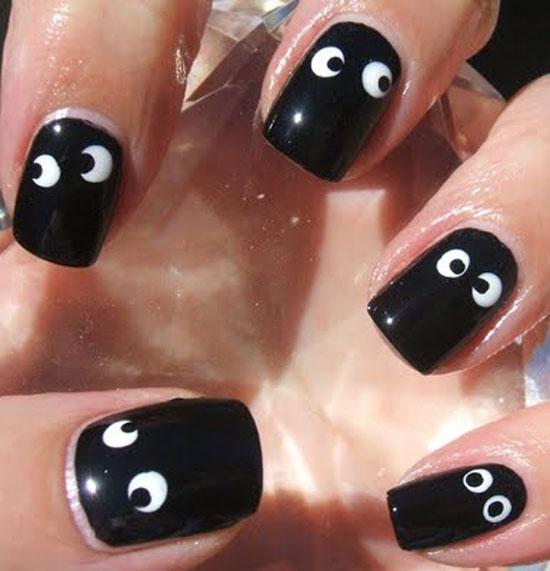 Halloween spooky eyes nails