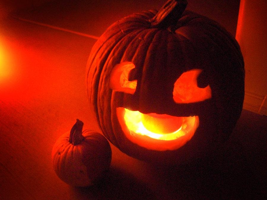 easy halloween pumpkin carving idea