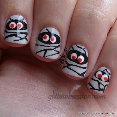 spooky halloween mummy nail art