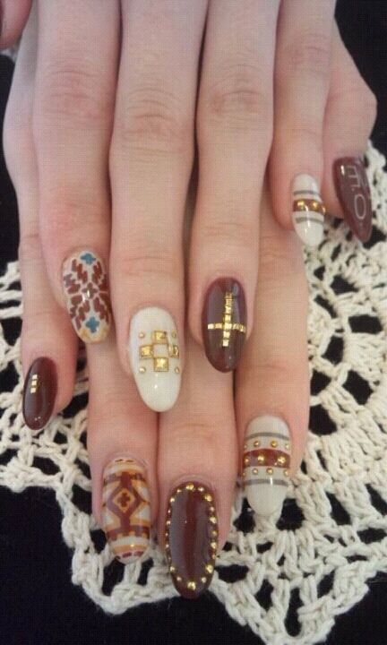 long round winter nail design