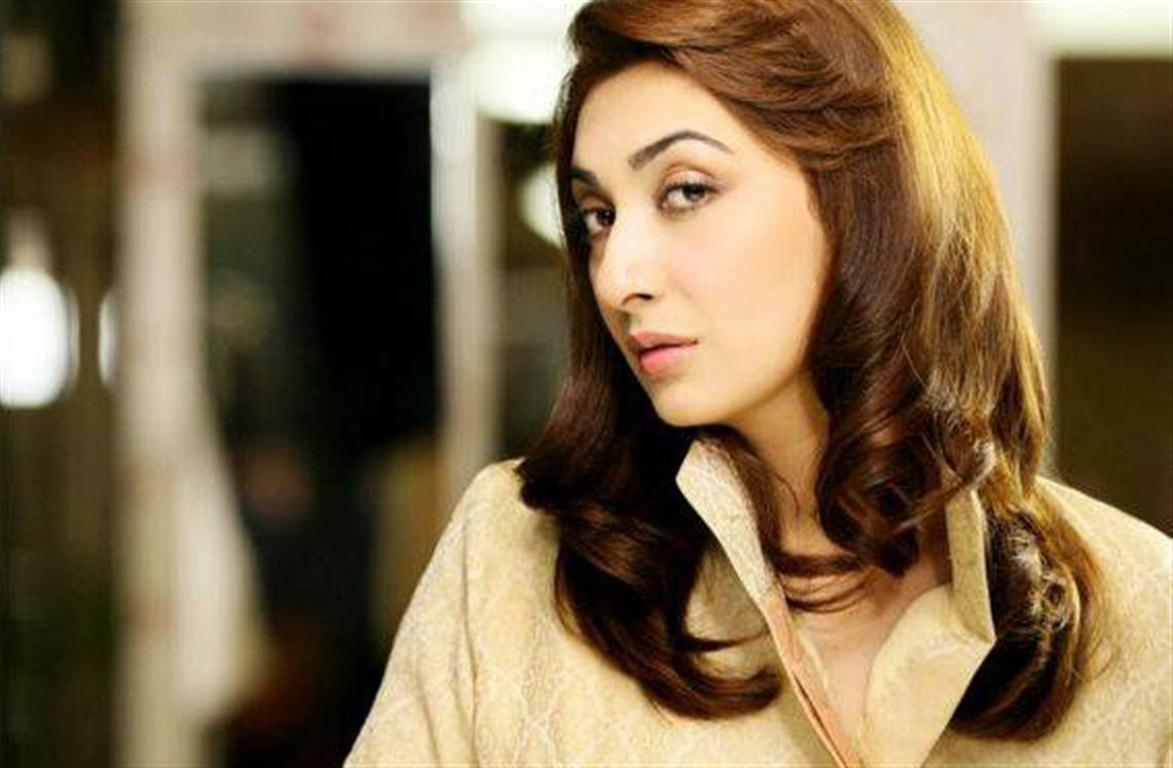 4-famous-beautiful-pakistani-actress-Ayesha-Khan