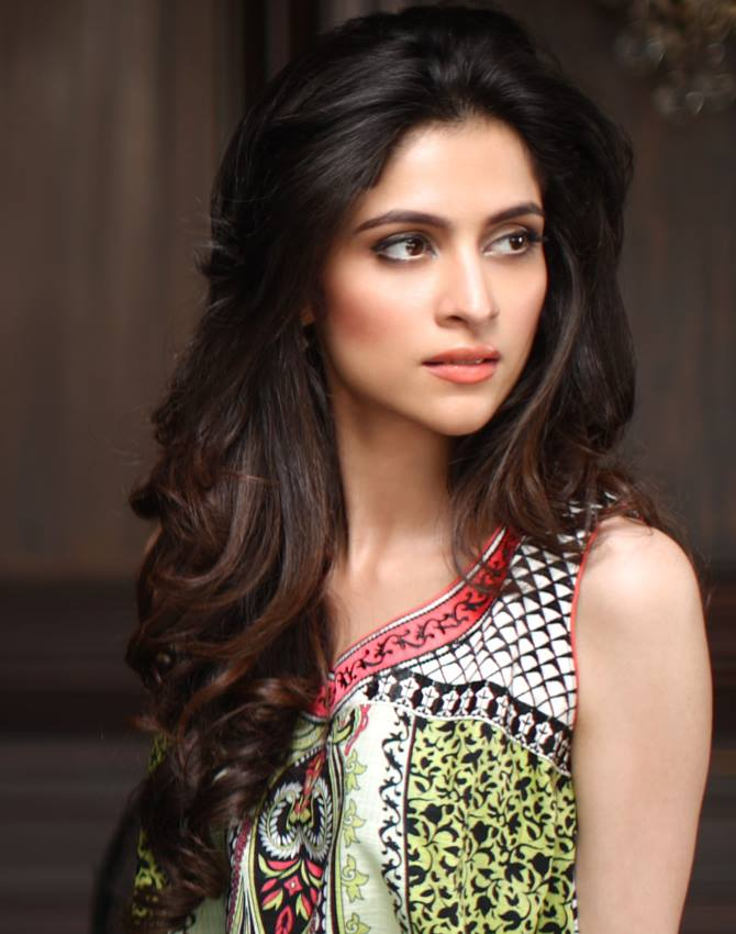 8-famous-beautiful-pakistani-actress-Arij-Fatyma
