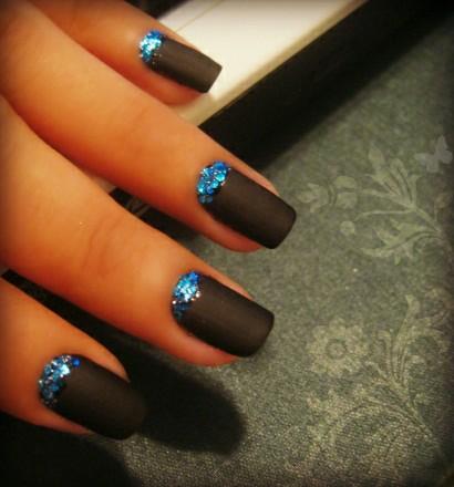 glitter with matte nail polish design