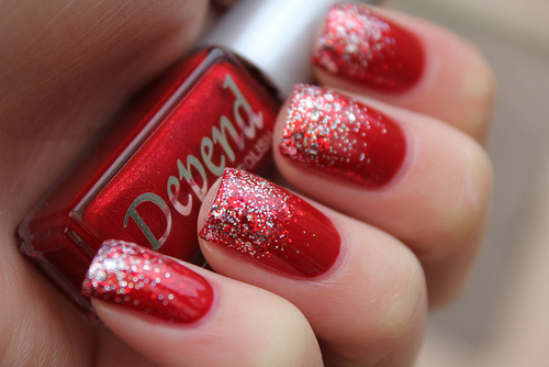 gorgeous chirstmas holiday nails