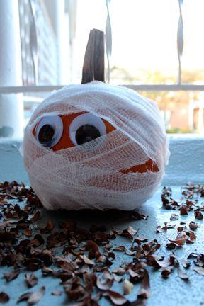 Pumpkin Mummy Decoration-Idea