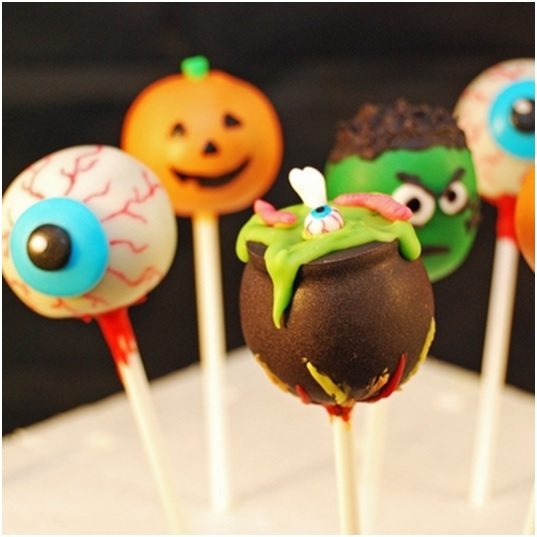 halloween-party-cookies-cake-pops