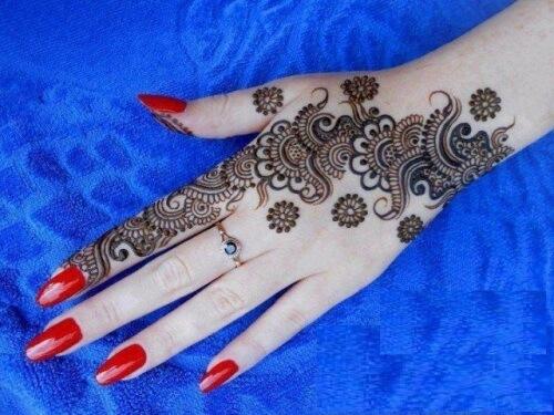 henna flower design