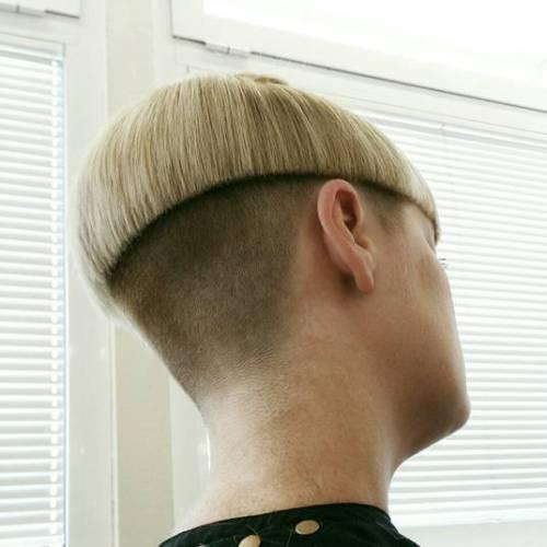Blonde Mushroom-Bowl cut