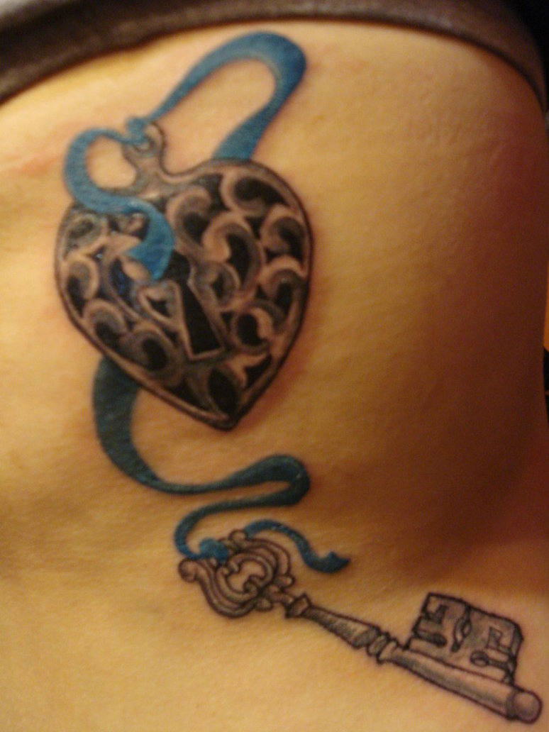 heart and key tattoo design