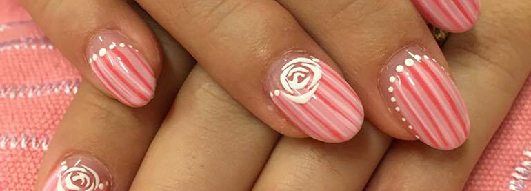 striped manicures for spring