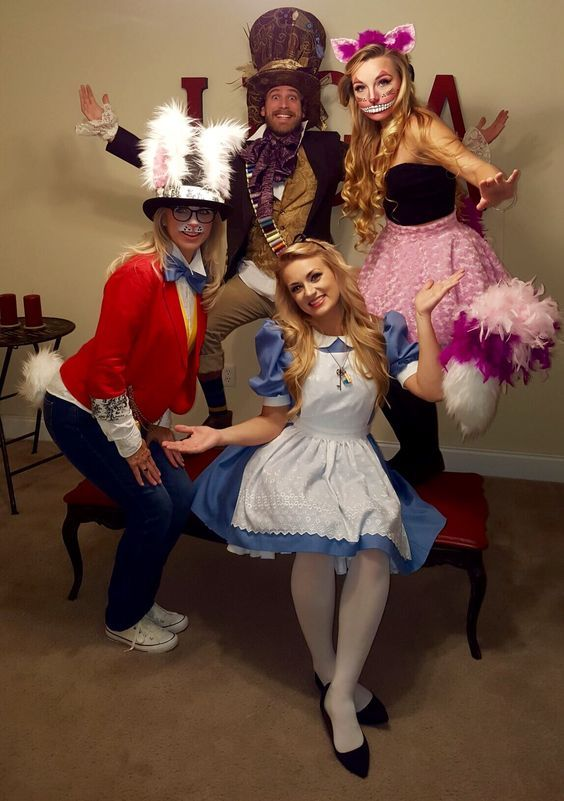 DIY Alice in the wonderland Group Halloween Costume