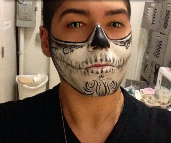 Easy to wear Sugar skull face paint