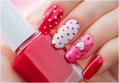 bright Valentine`s Day heart and polka dots Nails