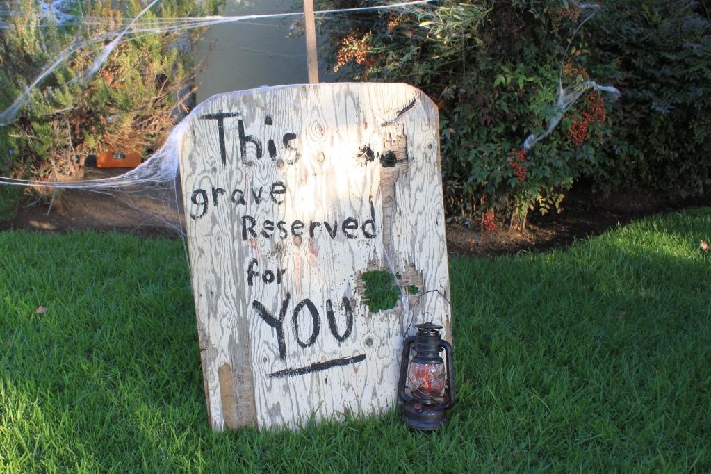 graveyard-halloween-ideas