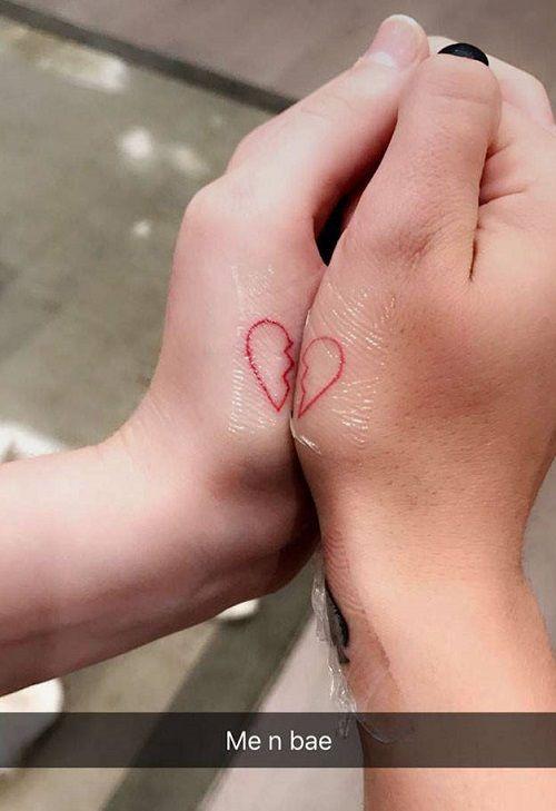 Ariel-Winter-Levi-Meaden-Heart-Tattoo-on-hands