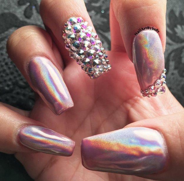stud nail art