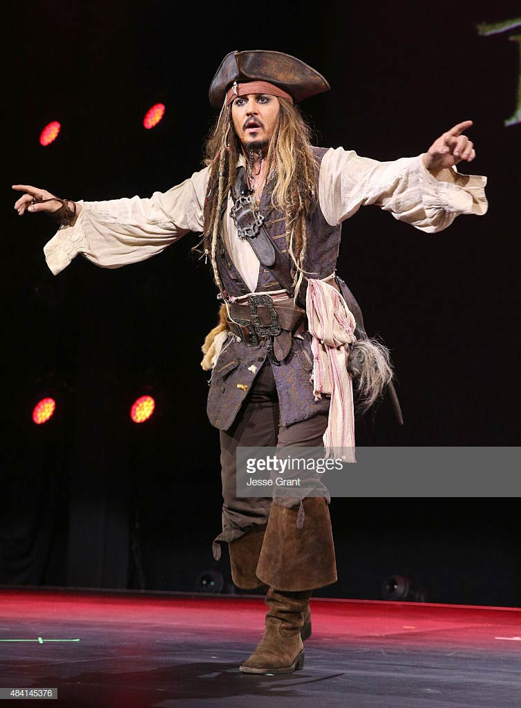 jack sparrow pirates of the caribbean halloween costume idea for long hair men