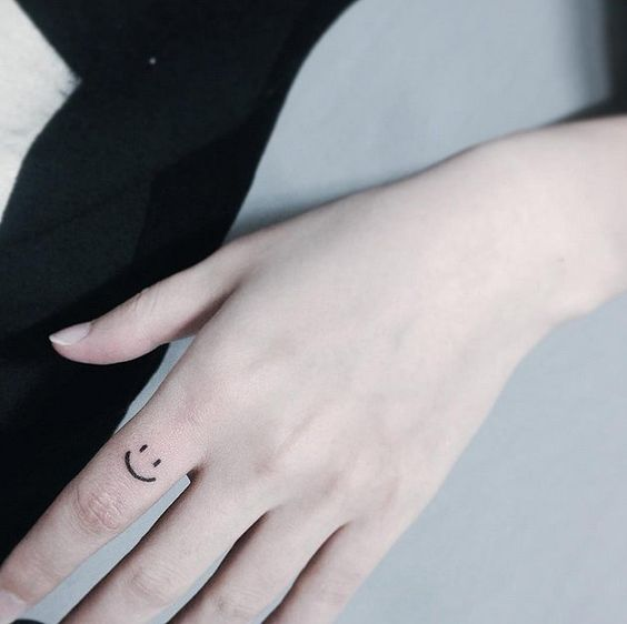 tiny tattoo designs and ideas for finger