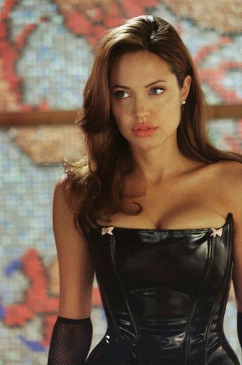 hottest woman alive Angelina Jolie