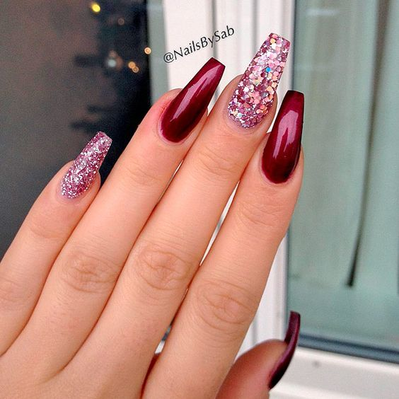 maroon coffin nails with glitter rhinestones