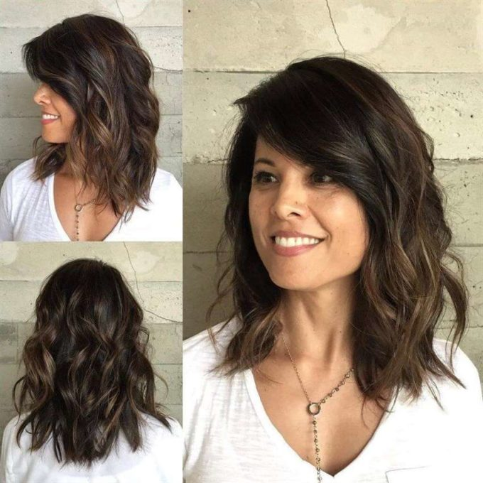 medium length wavy hairstyle