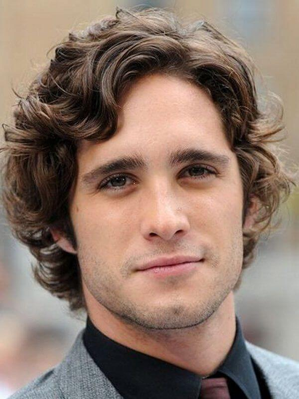medium length wavy hairstyle for men