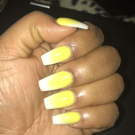 ombré yellow and white nails