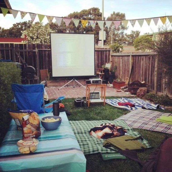 outdoor garden movie cinema theater ideas for summer party entertainment