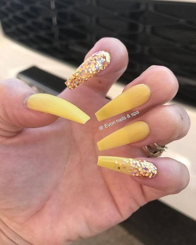 yellow coffin nails with glitter