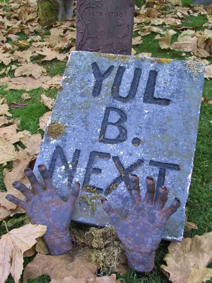 funny scary headstones