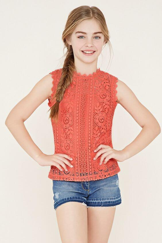 girls crochet top outfit ideas
