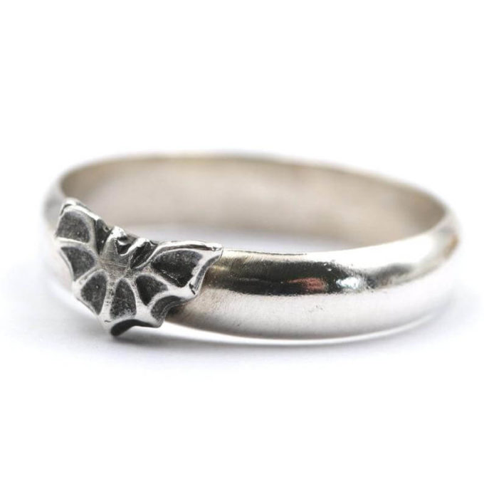 silver bat ring halloween jewellery
