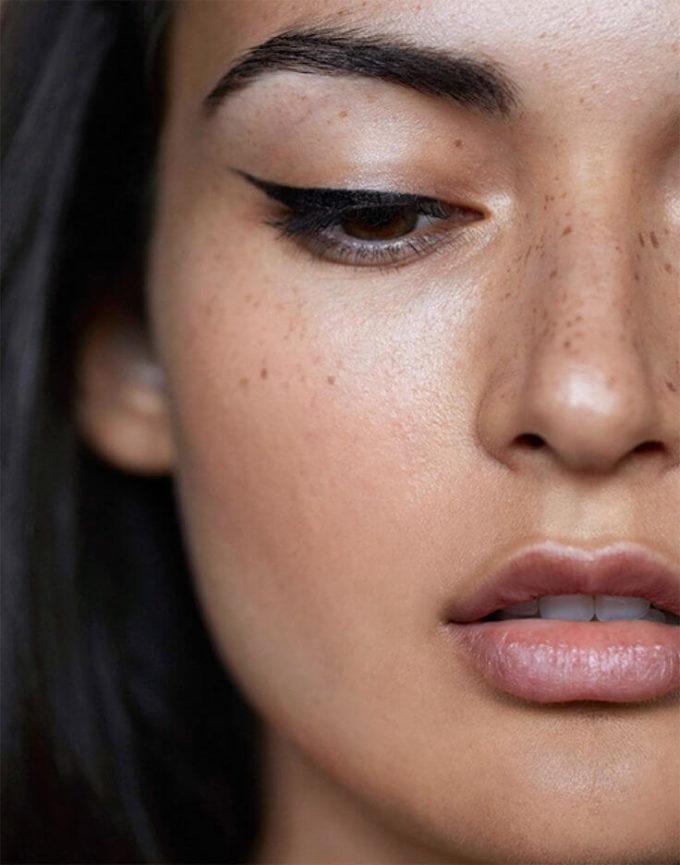 simple makeup looks for black dress